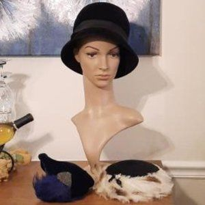 Nice Lot Vintage Hats Feathers! Italy! Velvet!